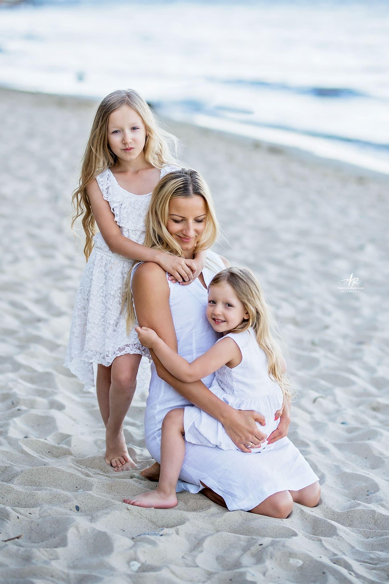 Z córkami na plaży