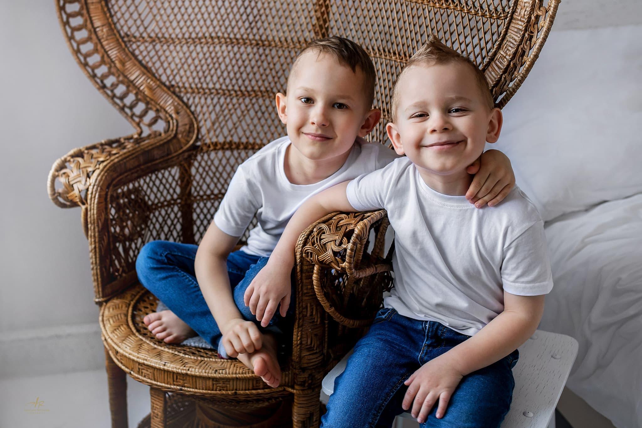 Domowa sesja zdjęciowa - bracia